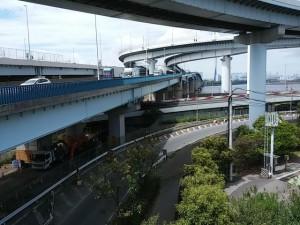 荒川河口橋を渡る