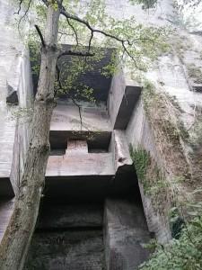 鋸山の石切り場