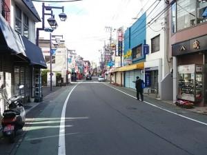 JR下総中山駅前