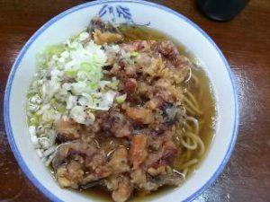 市川駅南口の鈴家のゲソ天ぷら蕎麦、430円