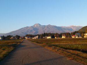 朝の妙高山その2